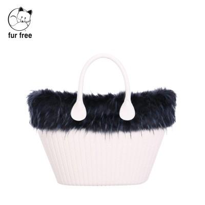O bag knit mini .bordure fausse fourrure marmotte